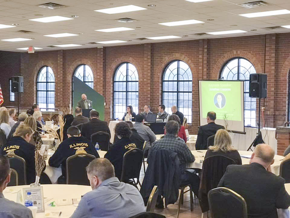 Breakfast unites Knox County farmers, business leaders