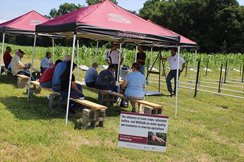 SIU scientists share studies on nutrient management, water quality at IFB Field Day