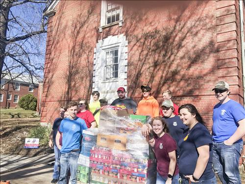 Union County FFA Chapters help local pantry