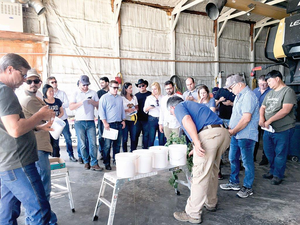 Brazilian ag group tours Mercer County farm